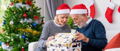 Christmas Gifts For Seniors With Alzheimer's or Dementia: 5 Perfect Ideas